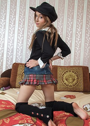Skirt XXX Pictures