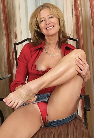Legs XXX Pictures