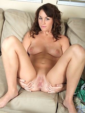Shaved XXX Pictures