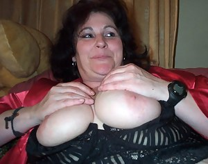 Big Tits XXX Pictures